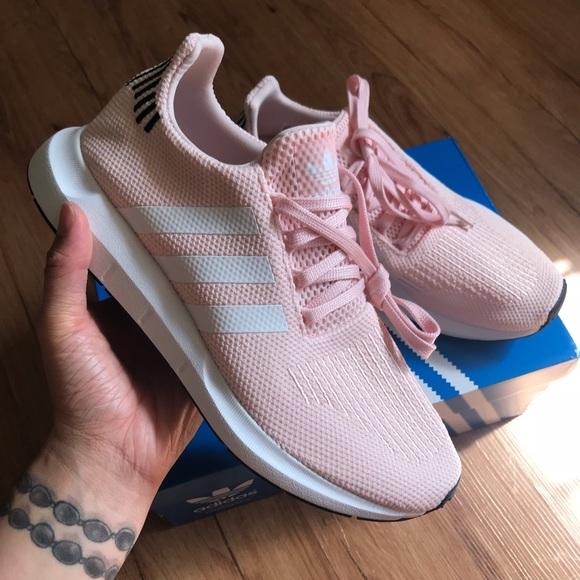 a858c2f65f Top 10 Punto Medio Noticias | Adidas Swift Run Shoes Icey Pink